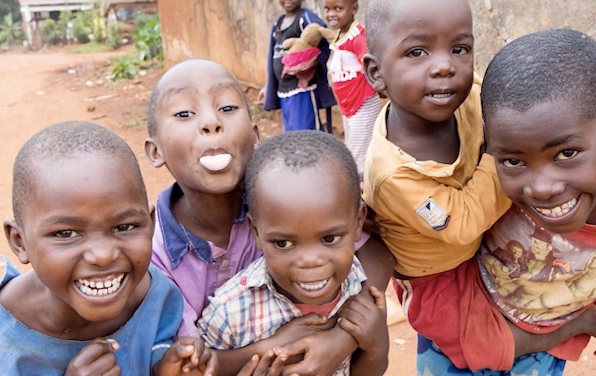 Nhlaisa, children, playing